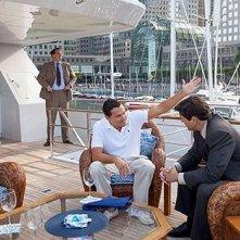 The Wolf of Wall Street: Leonardo DiCaprio stringe accordi economici a bordo del suo yacht