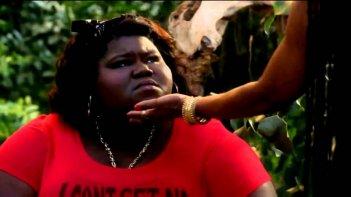 Gabourey Sidibe in un'immagine dell'episodio The Dead, della terza stagione di American Horror Story