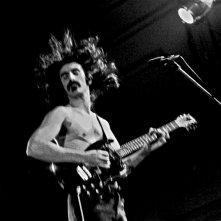 Frank Zappa durante una performance