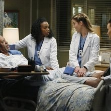 Grey's Anatomy: Jerrika Hinton, James Pickens, Camilla Luddington e Tessa Ferrer nell'episodio Somebody That I Used to Know