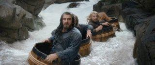 The Hobbit: La desolazione di Smaug, Richard Armitage e gli altri interpreti galleggiano grazie a dei barili