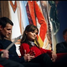 Matt Smith e Jenna-Louise Coleman con Steven Moffat alla Doctor Who Official 50th Celebration