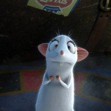 Il castello magico: ecco un tenero topolino bianco in primo piano