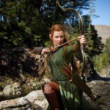 The Hobbit: La desolazione di Smaug, Evangeline Lilly impegnata a scoccare una freccia