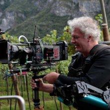 Vinodentro: il regista Ferdinando Vicentini Orgnani ditro la macchina da presa