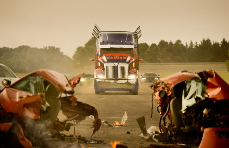Transformers: Age of Extinction: una scena del film