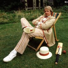 Doctor Who: il quinto Dottore Peter Davison in un wallpaper