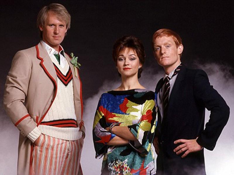 Doctor Who Una Foto Con Il Quinto Dottore Peter Davison 294114