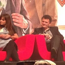 Jenna-Louise Coleman con Steven Moffat alla Doctor Who Official 50th Celebration