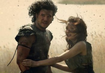 Pompeii: Kit Haringston ed Emily Browning in un drammatico momento