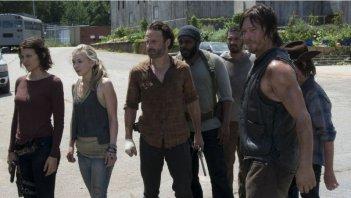 The Walking Dead: l'intero gruppo nell'episodio Indietro non si torna