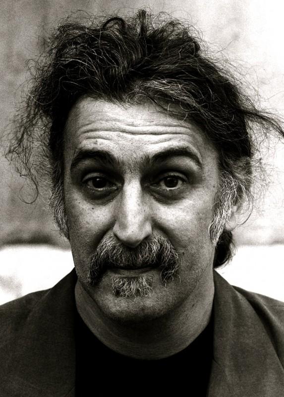 Un Primo Piano Di Frank Zappa 294084