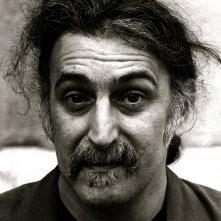 Un primo piano di Frank Zappa