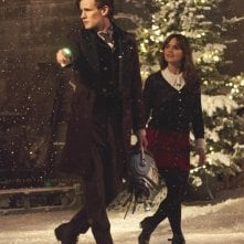 Doctor Who: Matt Smith e Jenna-Louise Coleman in una scena dello speciale natalizio The Time of the Doctor