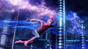 The Amazing Spider-Man 2: Andrew Garfield in una suggestiva immagine