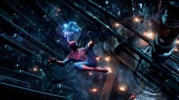 The Amazing Spider-Man 2: Andrew Garfield osserva dall'alto il laboratorio della OsCorp