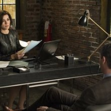 The Good Wife: Julianna Margulies e Jason O'Mara in una scena dell'episodio The Decision Tree