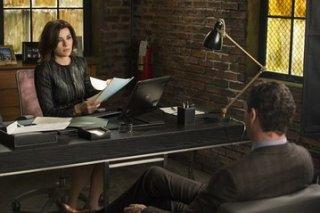 The Good Wife: Julianna Margulies e Jason O'Mara in una scena dell'episodio The Decision Tree