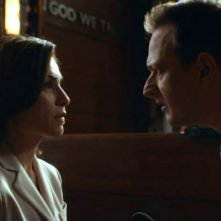 The Good Wife: Julianna Margulies e Josh Charles in una scena dell'episodio The Decision Tree