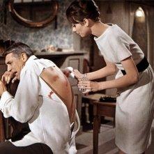 Cary Gran e Audrey Hepburn in Sciarada (1963)