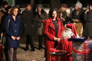 Il Natale della mamma imperfetta: Lucia Mascino e Alessia Barela in una scena