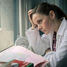 Sherlock: Louise Brealey in un'immagine della terza stagione della serie