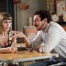 Colpi di fortuna: Luca Bizzarri con Fatima Trotta in una scena