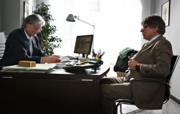 Il capitale umano: Fabrizio Bentivoglio in una scena