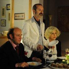 Un boss in salotto: Angela Finocchiaro con Rocco Papaleo e Alessandro Besentini in una scena