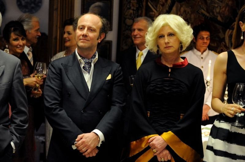 Un Boss In Salotto Angela Finocchiaro In Una Scena Con Alessandro Besentini 294471