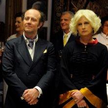 Un boss in salotto: Angela Finocchiaro in una scena con Alessandro Besentini