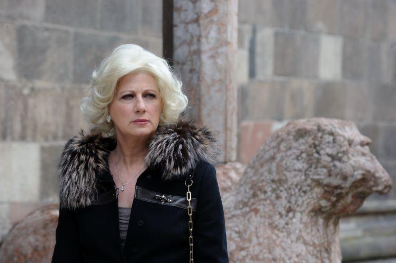 Un Boss In Salotto Angela Finocchiaro In Una Scena Del Film 294456