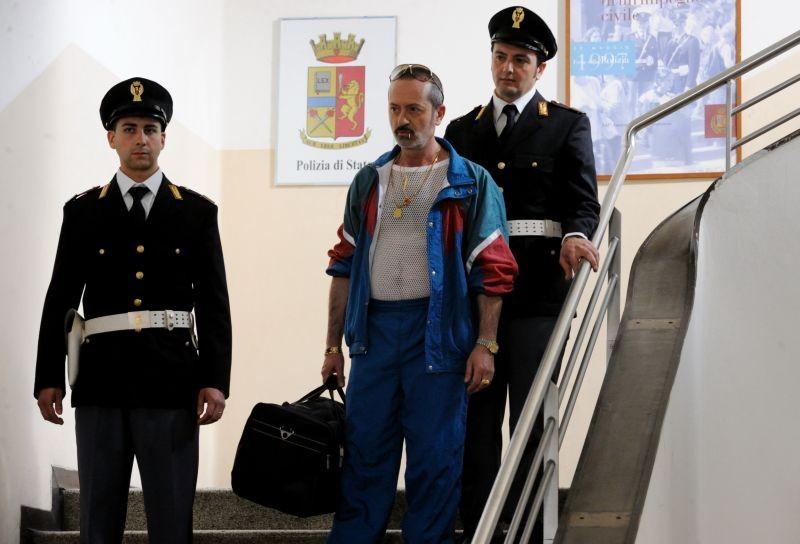 Un Boss In Salotto Rocco Papaleo In Una Scena 294455