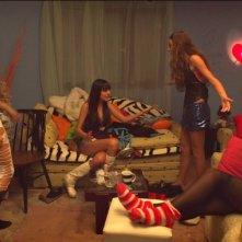 Clip: una scena di gruppo tratta dal film diretto da Maja Miloš