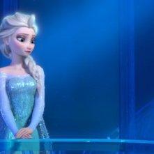 Frozen: l'incantevole Elsa in una scena del film