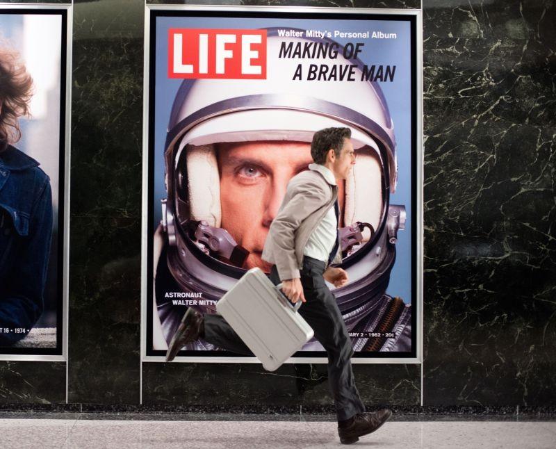 I Sogni Segreti Di Walter Mitty Ben Stiller Corre Verso I Suoi Sogni In Una Scena Del Film 294705