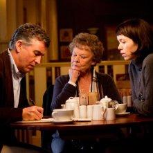 Philomena: Judi Dench insieme a Steve Coogan e Anna Maxwell Martin in un'immagine del film