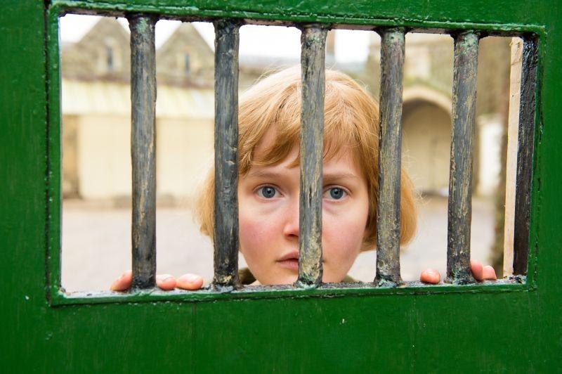 Philomena Sophie Kennedy Clark Nei Panni Della Disperata Giovane Philomena In Una Scena 294745