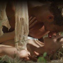 Hercules: La leggenda ha inizio, Kellan Lutz e Gaia Weiss in una scena d'amore