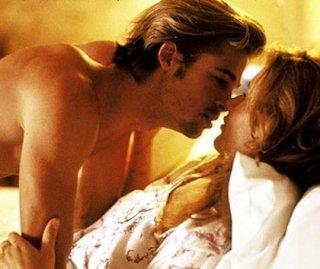 Brad Pitt e Geena Davis in una scena di Thelma & Louise