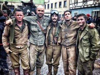 Fury: Brad Pitt, Shia LaBeouf, Jon Bernthal e Logan Lerman sul set