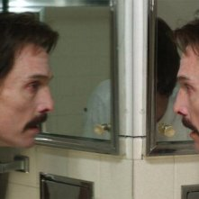 Dallas Buyers Club: Matthew McConaughey in una drammatica immagine tratta dal film