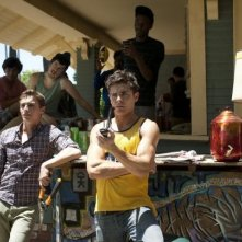 Neighbors: Zac Efron e Dave Franco osservano i vicini di casa