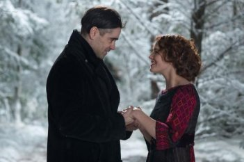Storia d'inverno: Jessica Brown Findlay e Colin Farrell in una romantica immagine