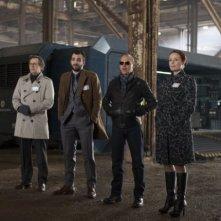Robocop: Michael Keaton, Gary Oldman, Jay Baruchel e Jennifer Ehle in una scena