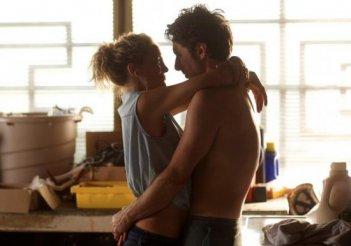 Wish I Was Here: Zach Braff abbracciato a Kate Hudson