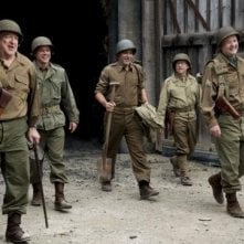 The Monuments Men: George Clooney, Matt Damon, Bill Murray e John Goodman ridono in una scena del film
