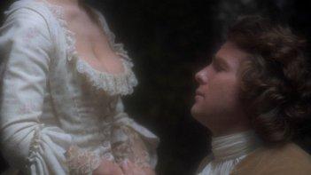 Barry Lyndon: Ryan O'Neal con Gay Hamilton in una scena del film