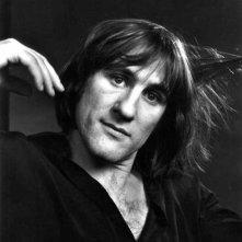Gerard Depardieu, un ritratto in bianco e nero dell'attore