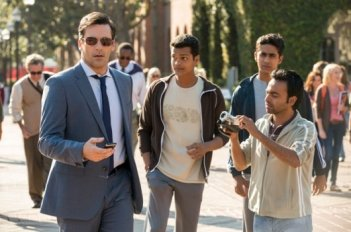 Million Dollar Arm: Jon Hamm in una scena del film